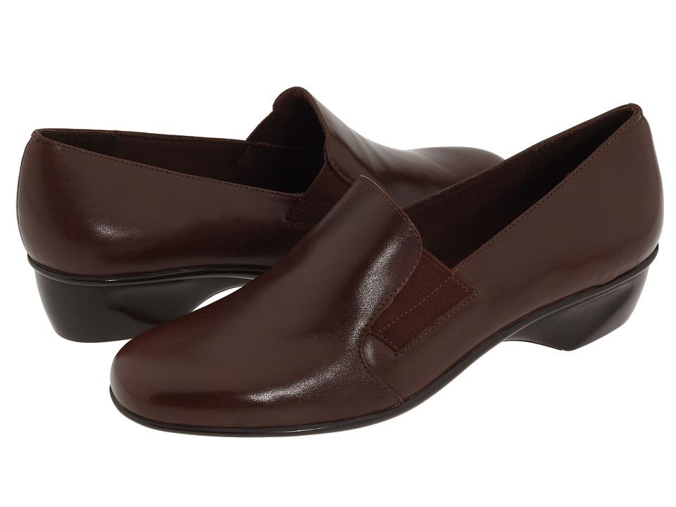 Walking Cradles - Teri (Tobacco Leather) Women's Slip on Shoes