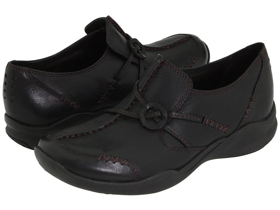 Clarks - Wave.Run (Black Leather) Women's Shoes