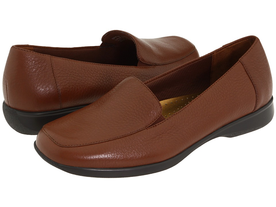 For Sale White Trotters Women's Loafers Jenn Tumbled Canada outlet shop