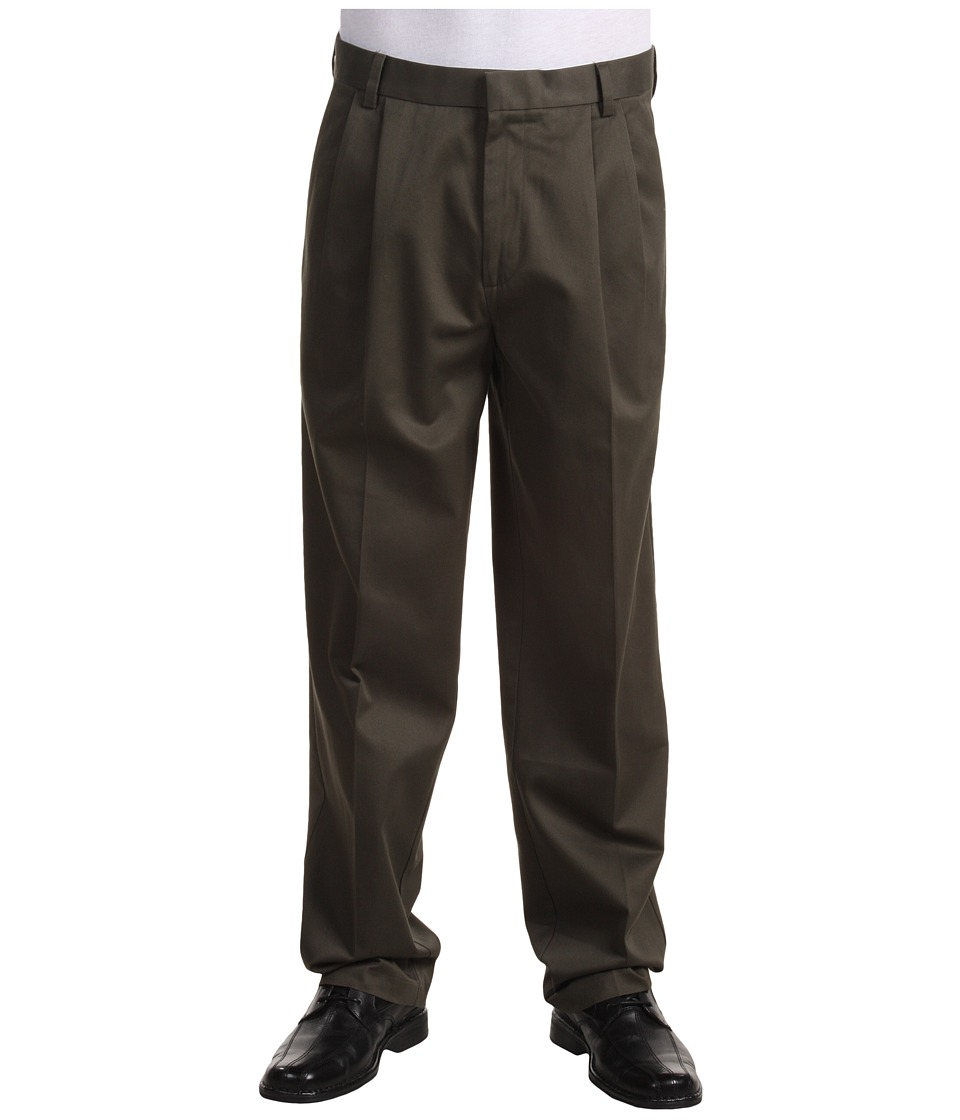 Dockers Men's - Signature Khaki D3 Classic Fit Pleated (Dark Olive) Men's Casual Pants
