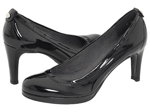 Stuart Weitzman - Roller (Black Patent) Women's Slip-on Dress Shoes