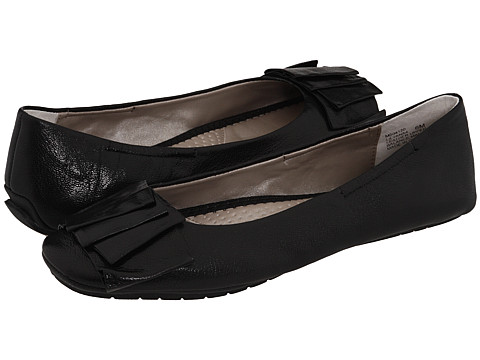 Me Too - Lilyana (Black Leather) Women's Flat Shoes