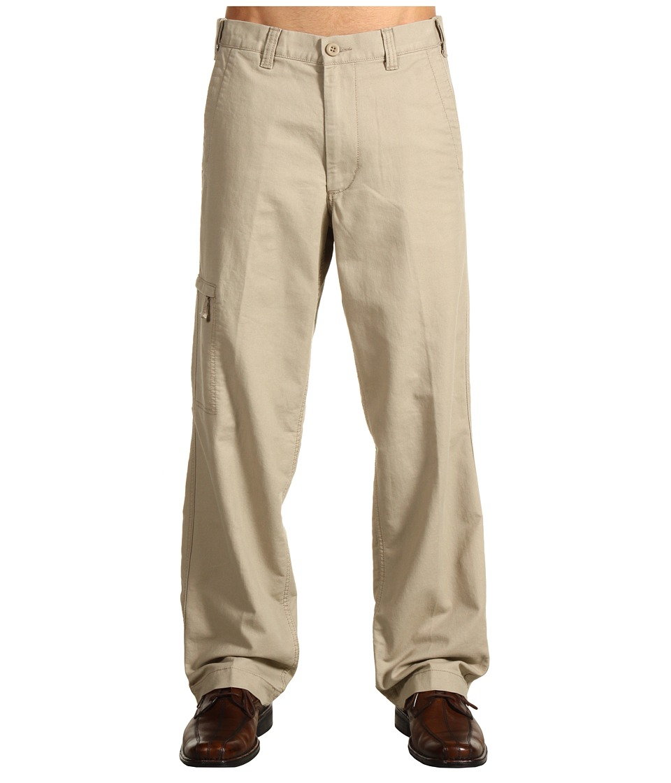 Dockers Men's - Comfort Cargo D3 Classic Fit (Cottonwood) Men's Casual Pants