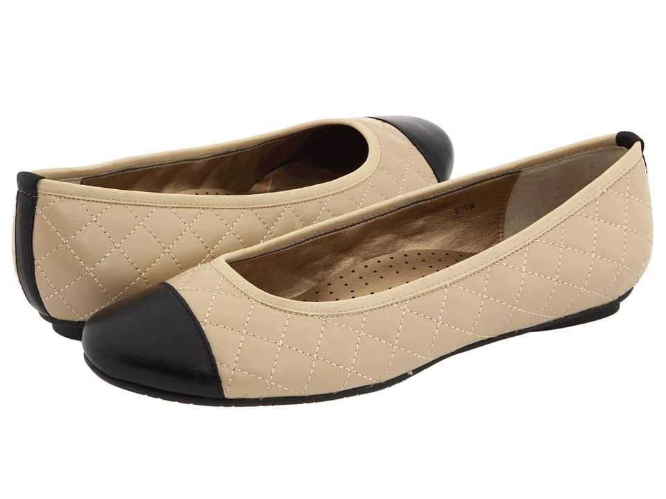 Vaneli - Serene (Pudding Nappa/Black Nappa) Women's Flat Shoes