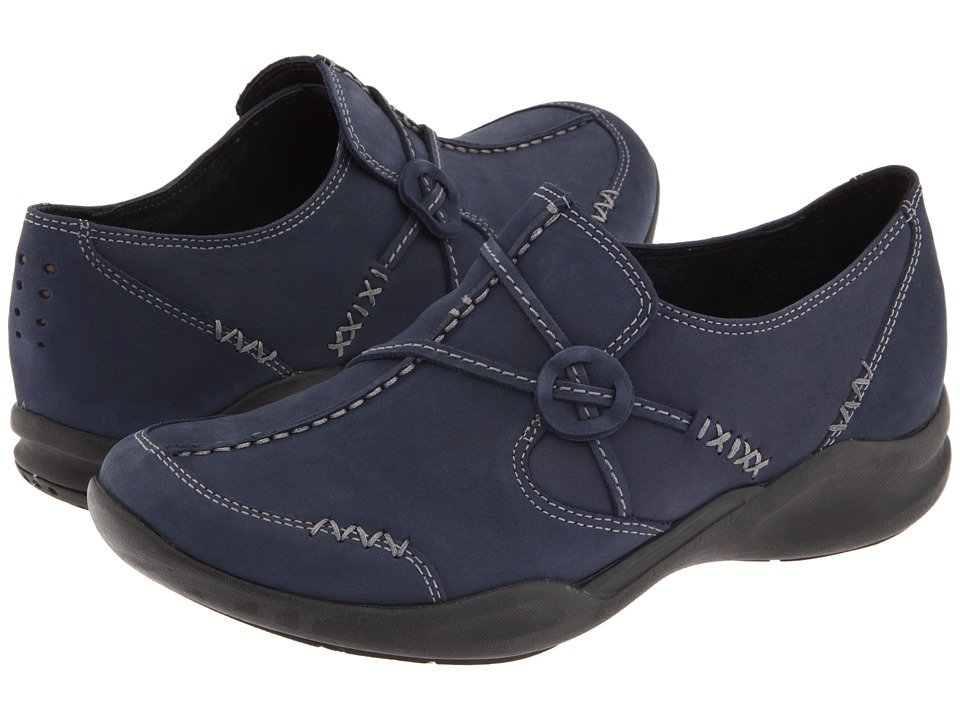 Clarks - Wave.Run (Navy Nubuck) Women's Shoes