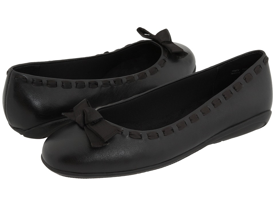 Walking Cradles - Fawn (Black Leather) Women's Slip on Shoes