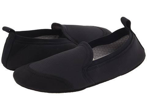 Acorn - Tech Travel Moc II (Black) Men's Slippers