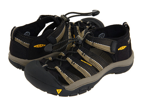 Keen Kids - Newport H2 (Little Kid/Big Kid) (Black/Stone Gray) Kids Shoes