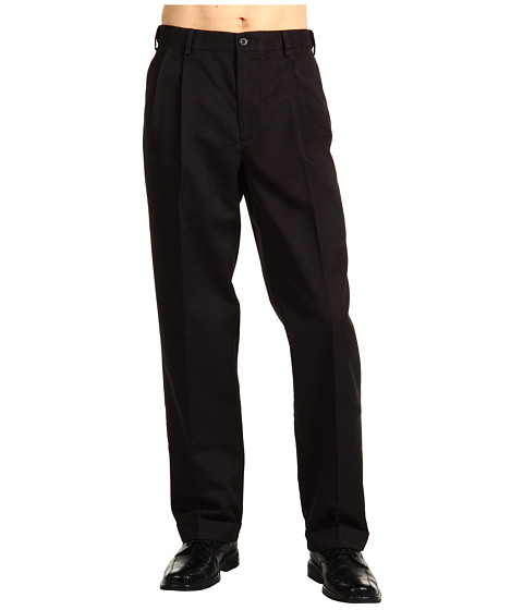 Dockers Men's - Comfort Khaki D4 Relaxed Fit Pleated (Black) Men's Casual Pants