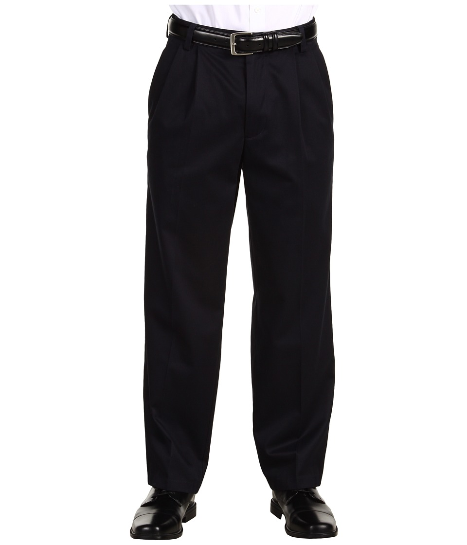 Dockers Men's - Signature Khaki D3 Classic Fit Pleated (Navy) Men's Casual Pants