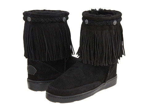 Minnetonka - Fringe Classic Pug Boot (Black Sheepskin) Women
