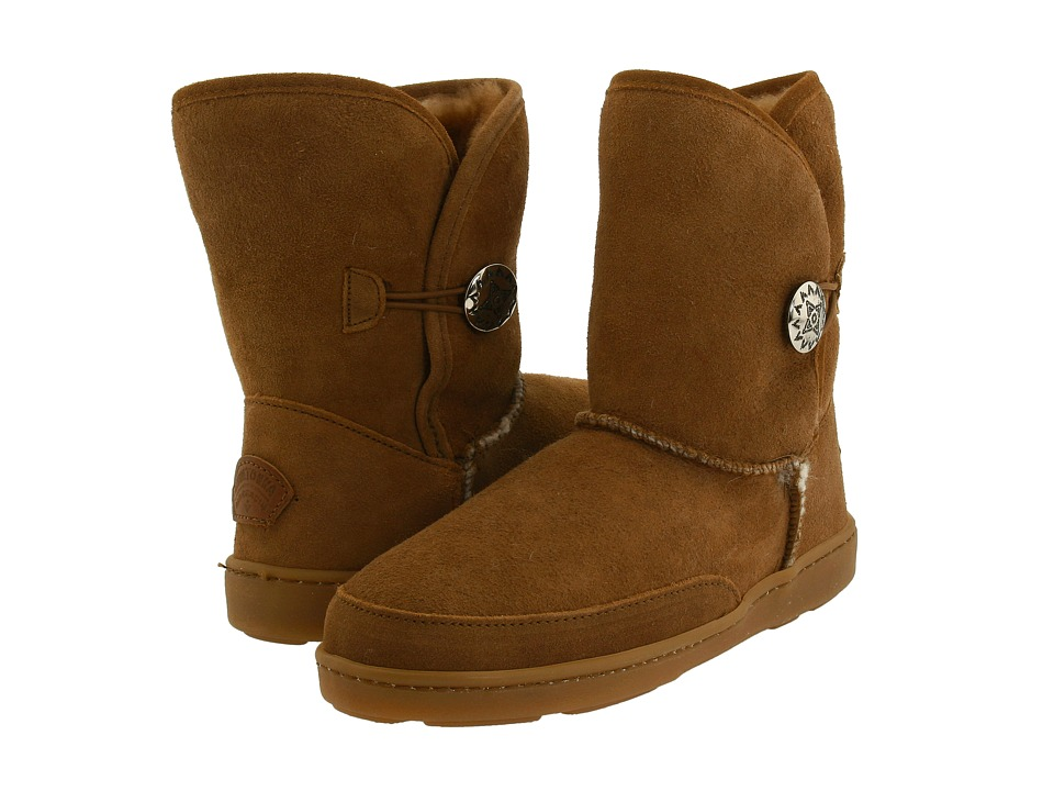 Minnetonka - Side Button Classic Pug Boot (Golden Tan Sheepskin) Women