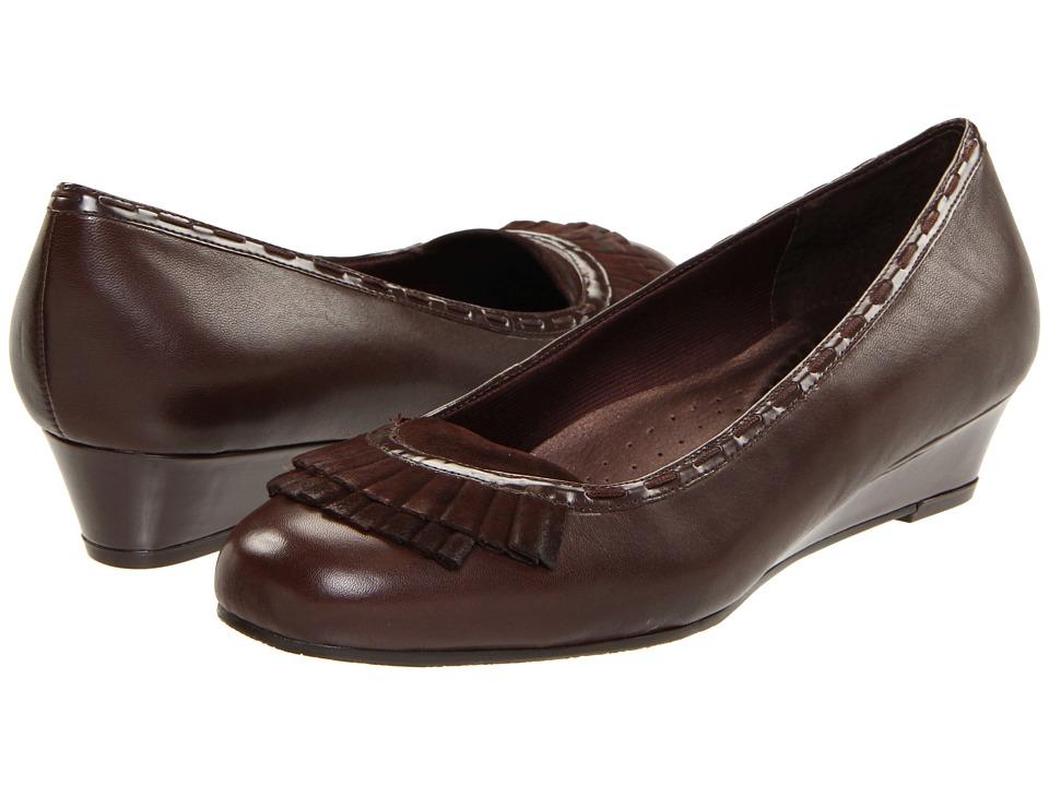 Trotters - Dreama (Mocha Soft Kid Leather/Suede/Stretch PU) Women's Slip-on Dress Shoes