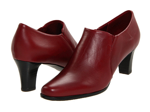 Trotters - Jolie (Dark Red Burnished Soft Kid Leather) Women's Slip-on Dress Shoes