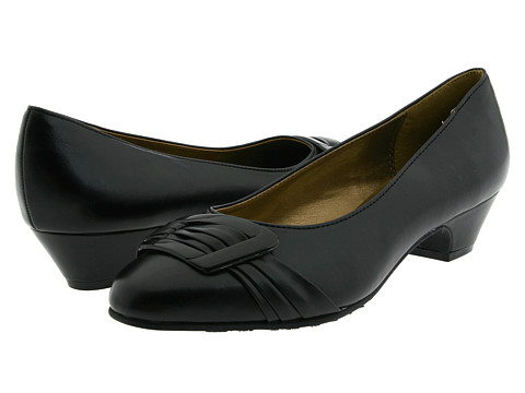 Soft Style - Pleats Be With You (Black Vitello) Women's Slip on Shoes