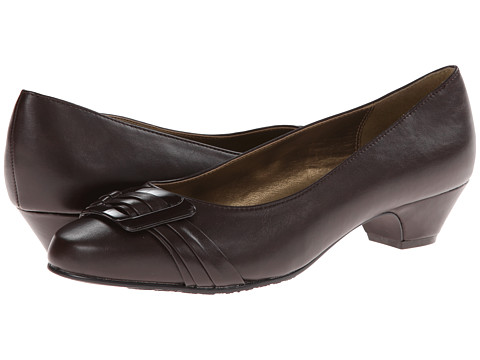 Soft Style - Pleats Be With You (Dark Brown Vitello) Women's Slip on Shoes