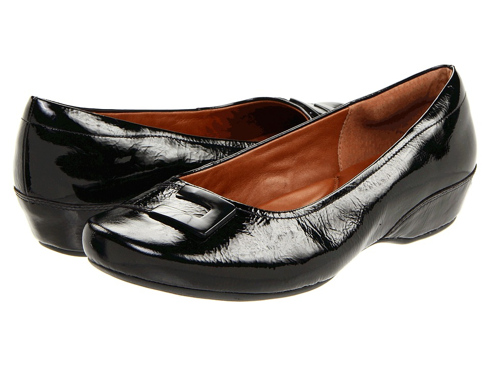 Clarks - Concert Choir (Black Patent) Women's Slip on Shoes
