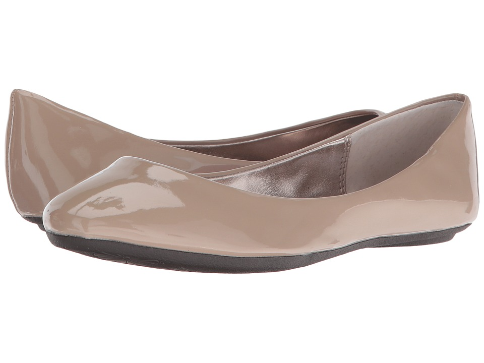 Steve Madden - P-Heaven (Taupe Patent) Women's Flat Shoes