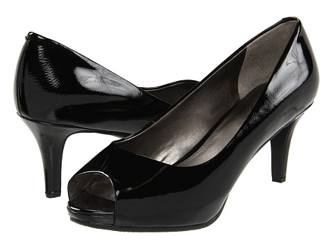 Trotters - Olivia (Black) Women's Shoes