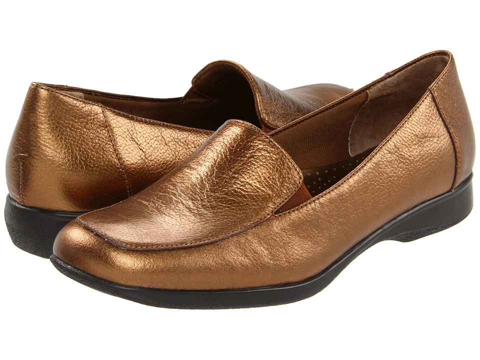 Trotters - Jenn (Bronze) Women's Slip on Shoes