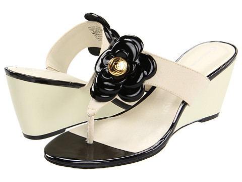 Rockport - Nicoleen Jewel Flower (Cream/Black) High Heels