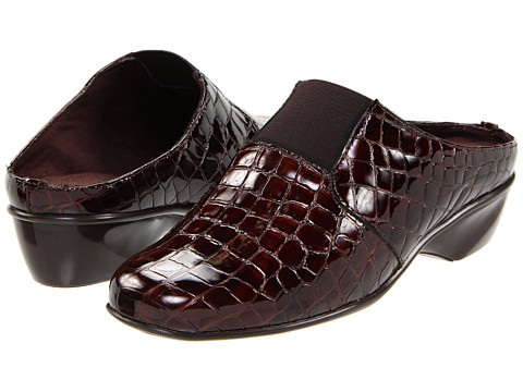 Walking Cradles - Tori (Brown Croco Patent) Women's Clog Shoes