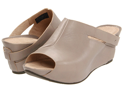 Tsubo - Ovid (Putty) Women's Wedge Shoes