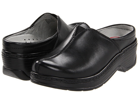 Klogs - Como (Black Smooth) Women's Clog Shoes