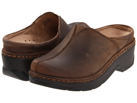 Klogs - Como (Dark Brown Oil) Women's Clog Shoes