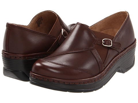 Klogs - Camd (Coffee Smooth) Women's Clog Shoes