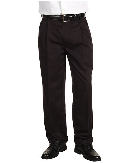 Dockers Men's - Never-Iron Essential Khaki D3 Classic Fit Pleated (Black) Men's Casual Pants
