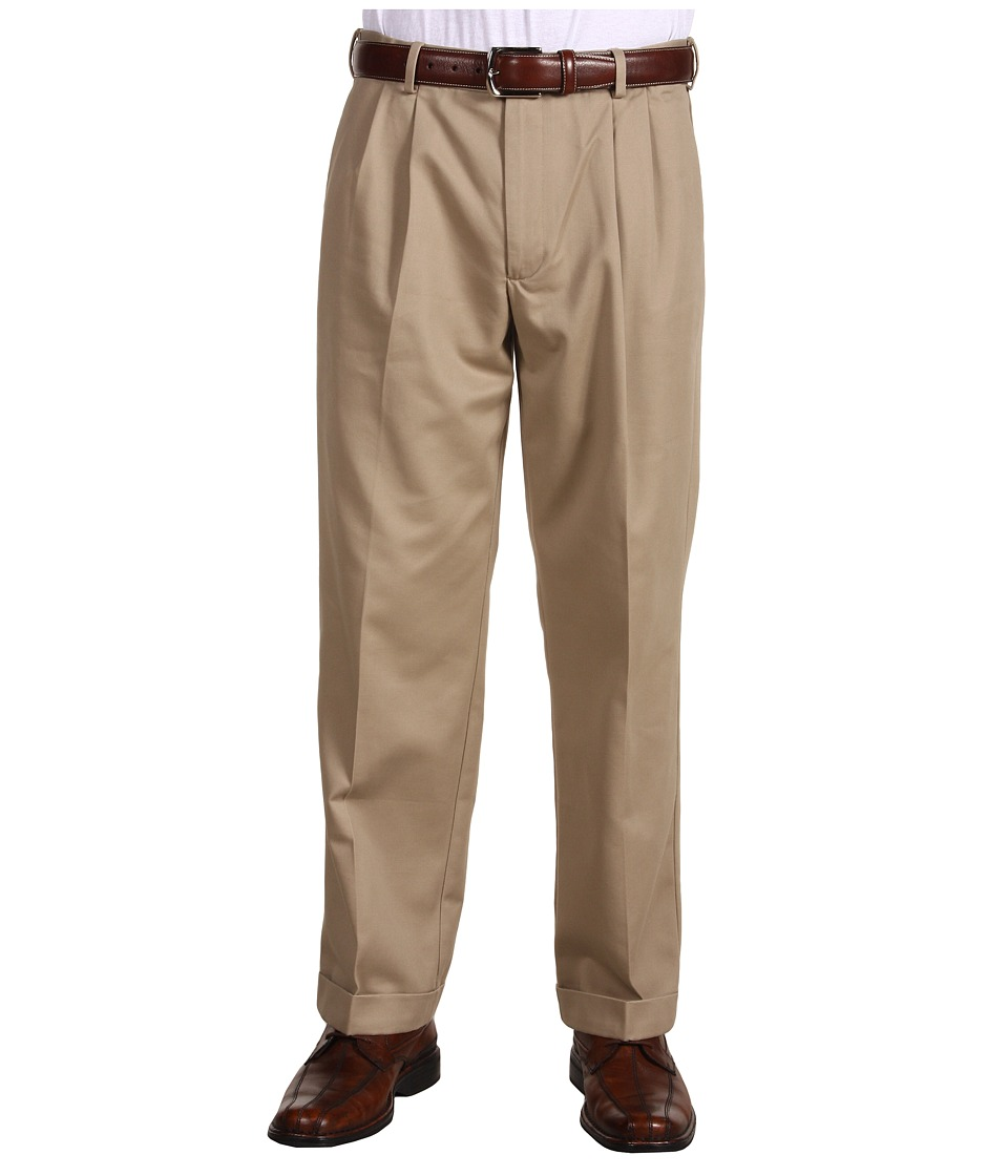 Dockers Men's - Comfort Waist Khaki D3 Classic Fit Pleated (New British Khaki) Men's Casual Pants