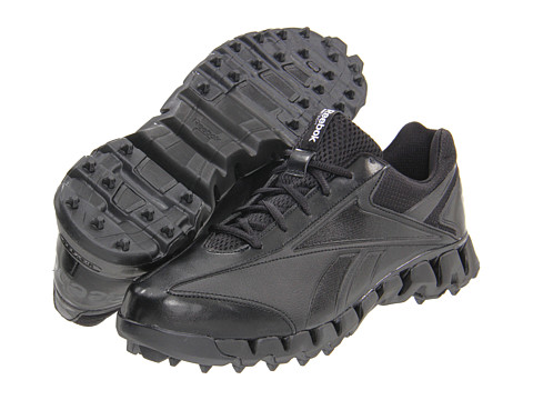 Reebok - ZigMagistrate (Black/Black) Men's Cleated Shoes