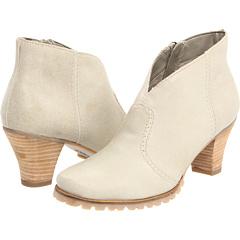 SoftWalk Dakota (Winter White Distressed Leather) Footwear