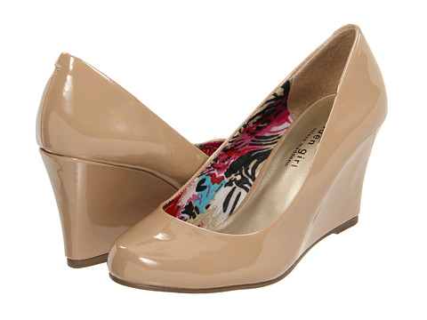 Madden Girl - Ursey (Nude) Women's Wedge Shoes