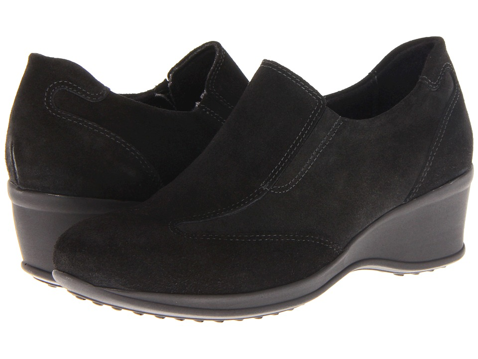La Canadienne - Ferguson (Black Suede) Women's Slip on Shoes
