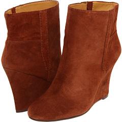 Nine West GottaRun (Brown Suede) Footwear