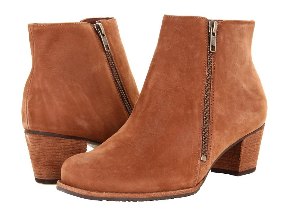 Walking Cradles Circle (Cognac Roughout Leather) Women