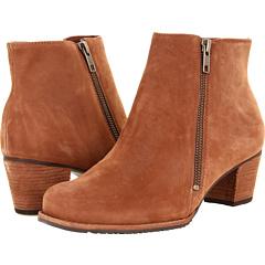 Walking Cradles Circle (Cognac Roughout Leather) Footwear