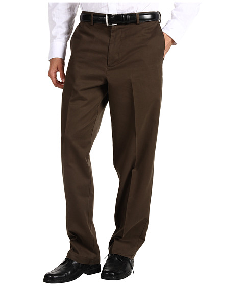 Dockers Men's - Comfort Khaki D4 Relaxed Fit Flat Front (Bark) Men's Casual Pants