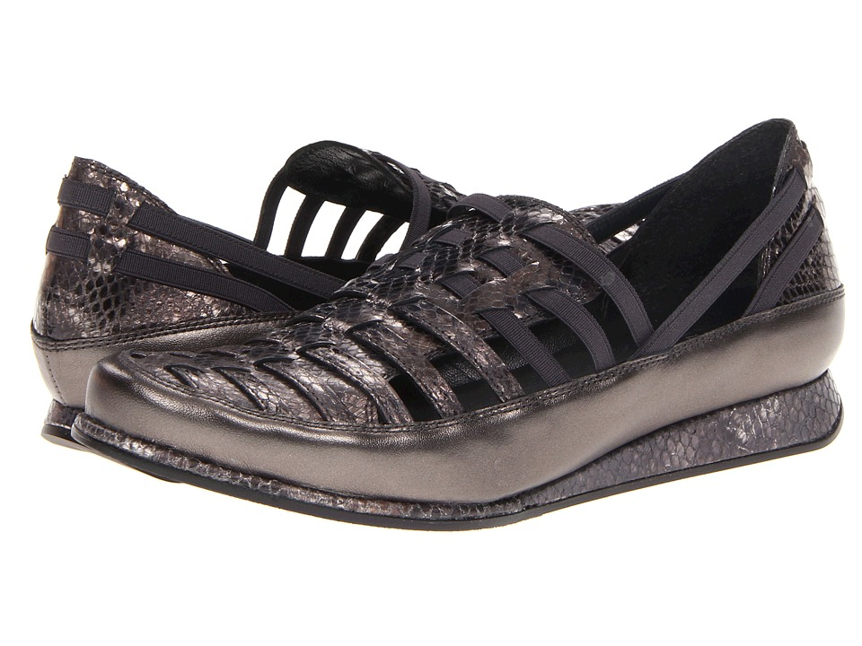 Stuart Weitzman - Movein (Gunmetal Neutron Snake) Women's Flat Shoes