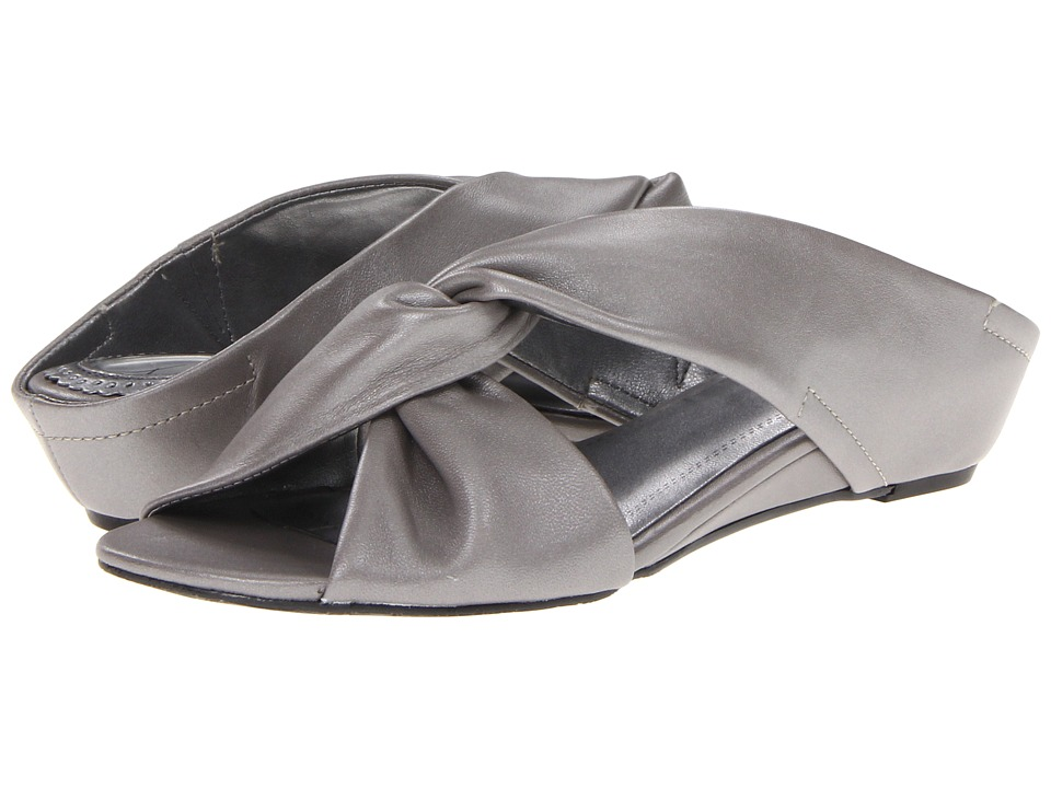 Trotters - Cameron (Soft Pewter) Women's Wedge Shoes