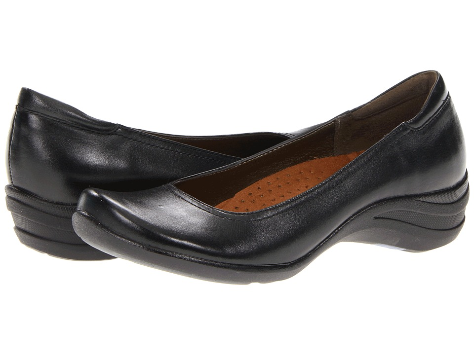 Hush Puppies - Alter Pump (Black Leather) Women's Slip on Shoes