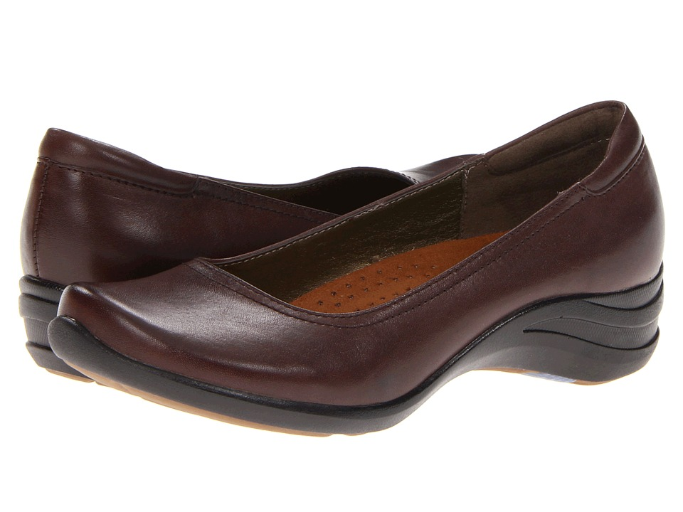 Hush Puppies - Alter Pump (Dark Brown Leather) Women