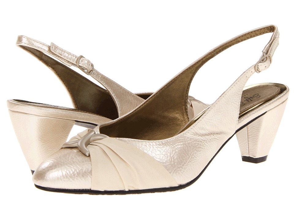 Soft Style - Dezarae (Bone Pearlized Crinkle Patent) High Heels
