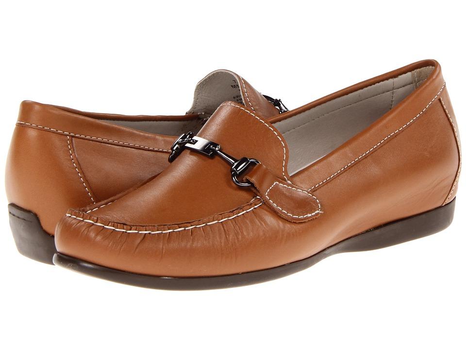 Munro American - Kimi (Luggage Tan Leather) Women's Slip on Shoes