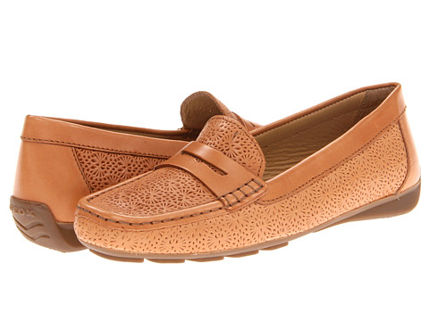 Geox - D Grin 53 (Camel) Women's Slip on Shoes