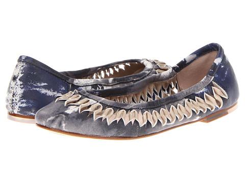 Bloch - Alizee (Classics/Nuee) Women's Dress Flat Shoes