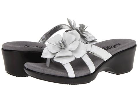 Alegria - Hula (White Classy-109) Women's Wedge Shoes