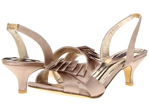 Bouquets Eden (Champagne Satin) Women's Bridal Shoes